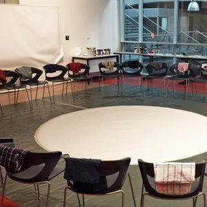 Animation artistique entreprise - Mariele Gissinger - Créativité - Alsace – Artiste dans entreprise – performance –Management – Team-Building – Sculptures participative-Co-creation – Logo artistique
